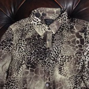Large leopard print blouse by Moda